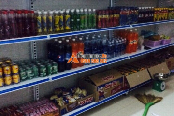 Kệ trưng bày hàng hóa tại Cô Tô, Quảng Ninh
