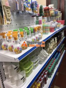 Giá kệ bày hàng tại Quỳnh Phụ, Thái Bình