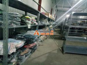 Kệ để hàng quần áo tại Hà Đông