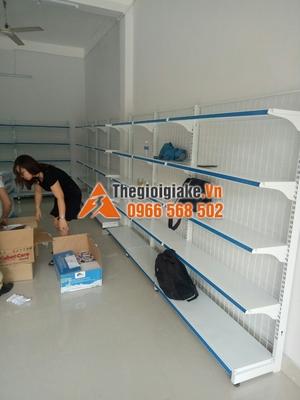 kệ bày hàng tạp hóa tại Tân Sơn, Phú Thọ